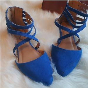 Bamboo 7.5 blue suede straps flats